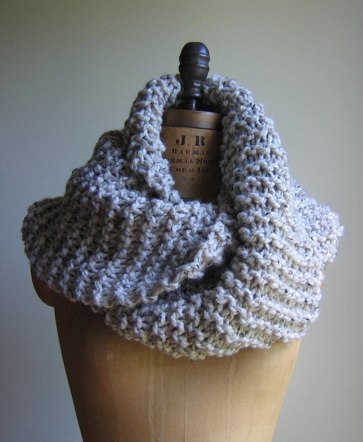 Super Snuggly Chunky knit cowl Oatmeal