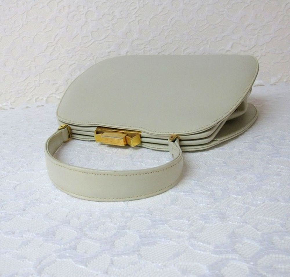1960s Vintage Structured Bone-colored Handbag // Dofan Made In France Leather Purse - PastPiecesVintage