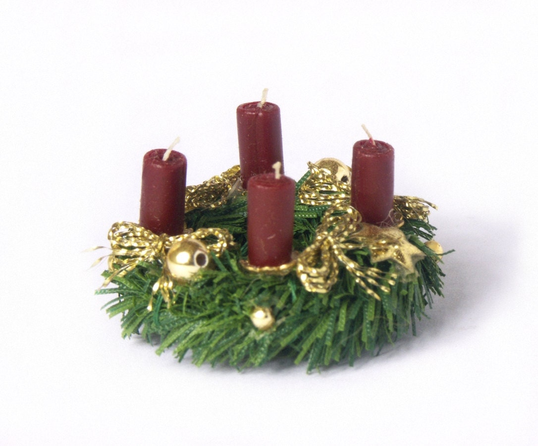 Miniature Advent Wreath for your Dollhouse - DinkyWorld