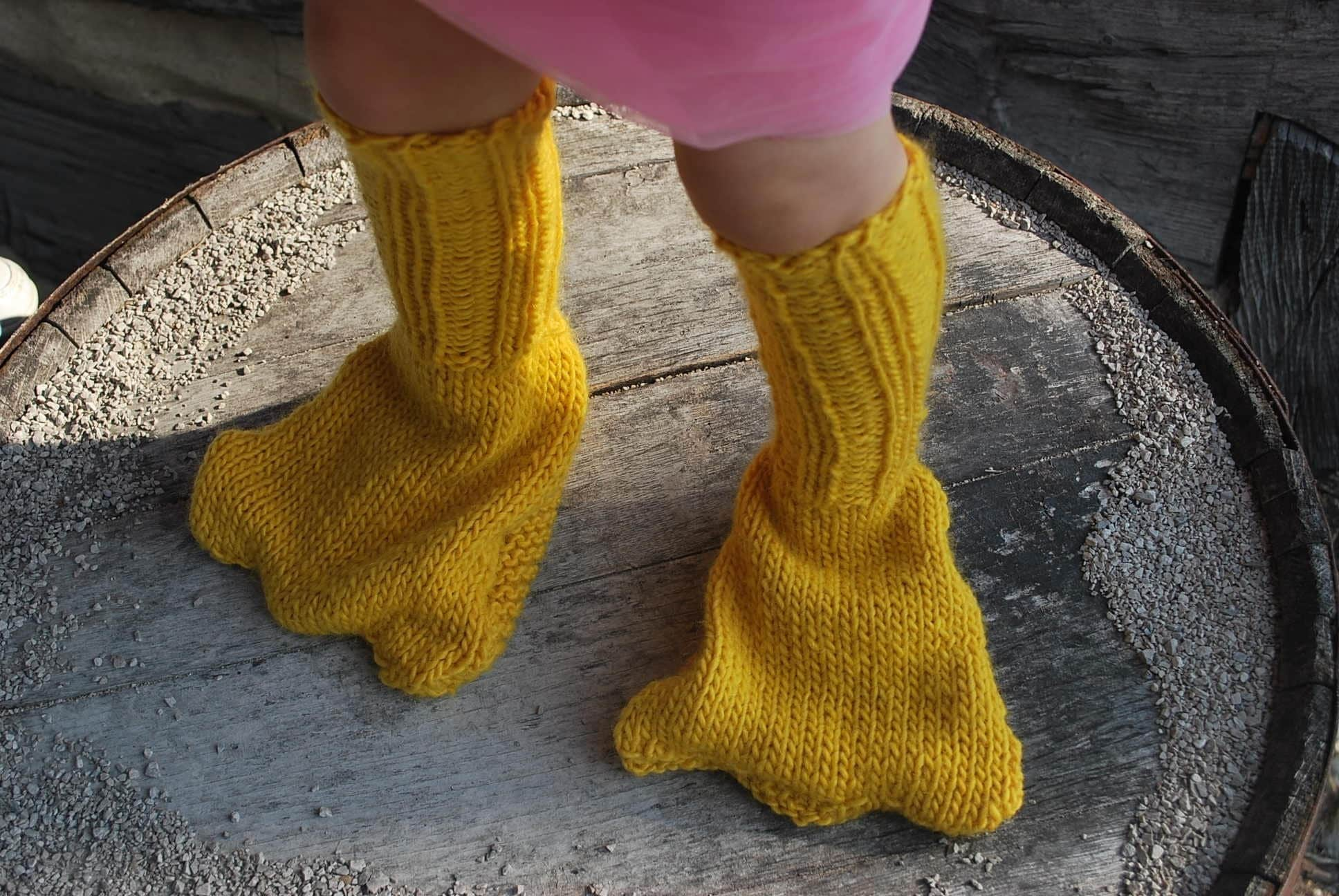 New and Unique Handmade Funny Canary Yellow Knitted Duck Foot Leg Warmer Slippers for Children little Boy Girl Grandson Granddaughter Christmas Present