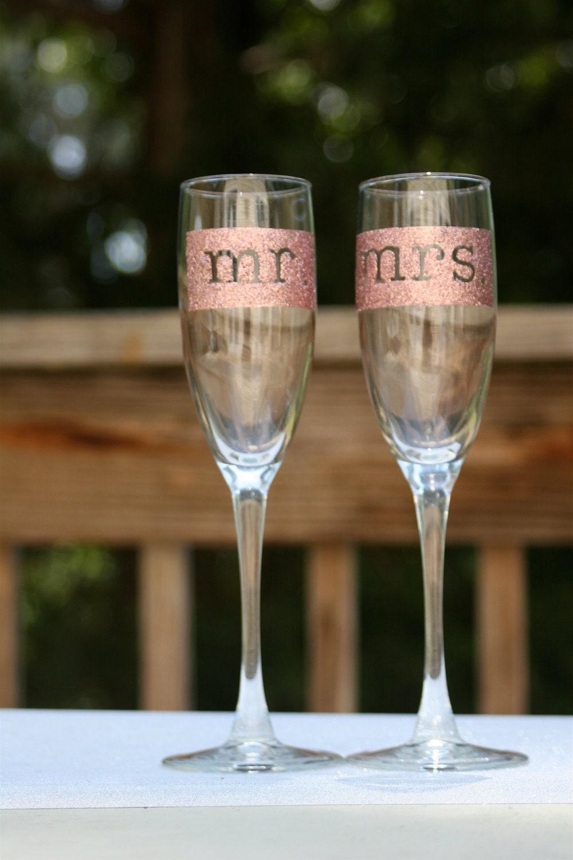 PINK/ROSE mr & mrs Glitter Champagne Glasses (2)