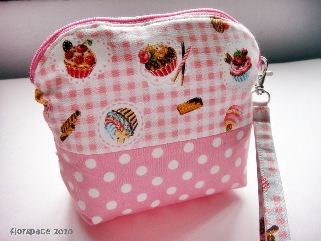 NEW Sweet Cupcake Love Large Wristlet Pouch ---------- OOAK Edition