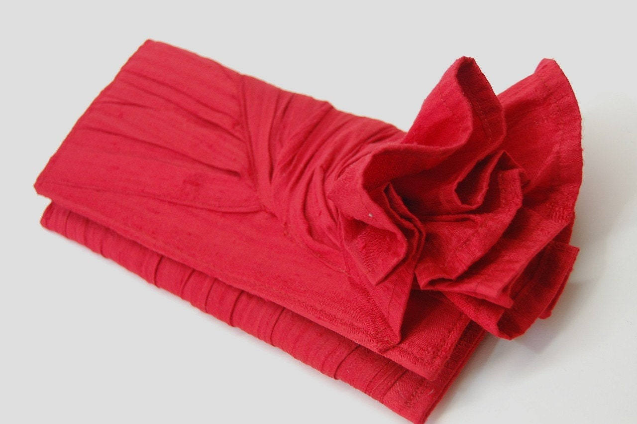 Red silk KNOT Clutch