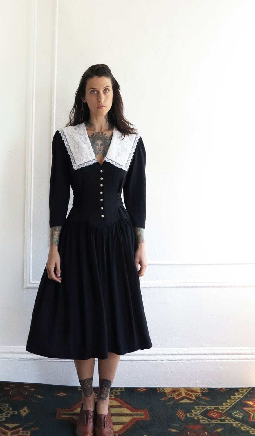 vintage black pilgrim dress// lace collar schoolgirl// small medium - AdieHolly