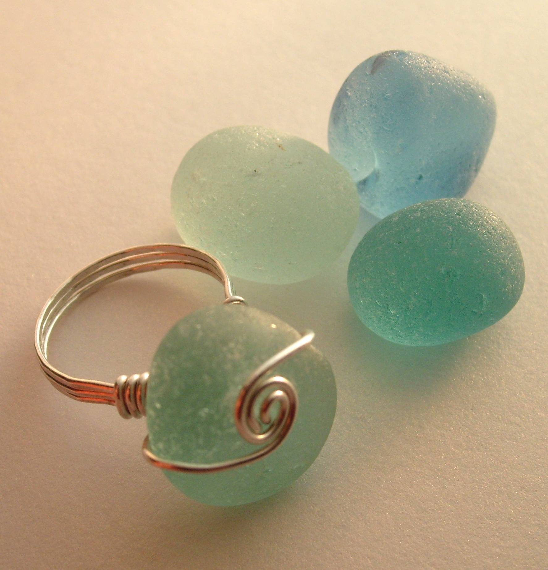 ELLE Genuine Sea Glass Sculpted Wire Ring Size 7 by Lake Erie Beach Glass LEbg