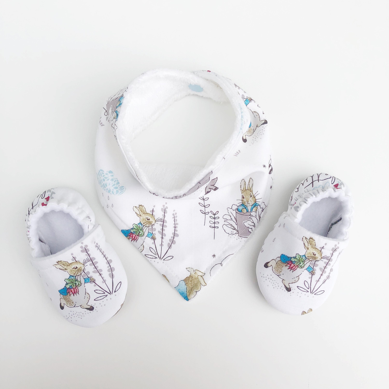 Peter Rabbit Baby Bib, Bandana bib, Bibdana, Dribble Bib, Drool Bib, Unisex Bib, Absorbent Bib, Toweling Bib, Trendy bib, Handmade Bib