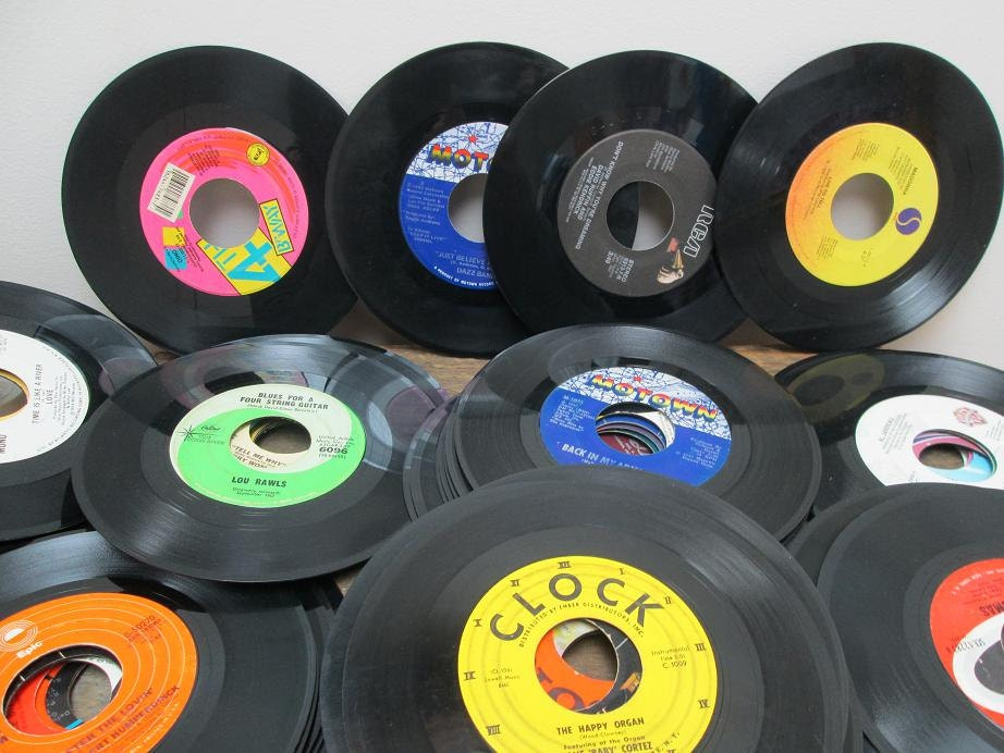 Vinyl records decorations on etsy a global handmade and for Record decoration ideas
