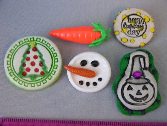 Set of FIVE holiday pins