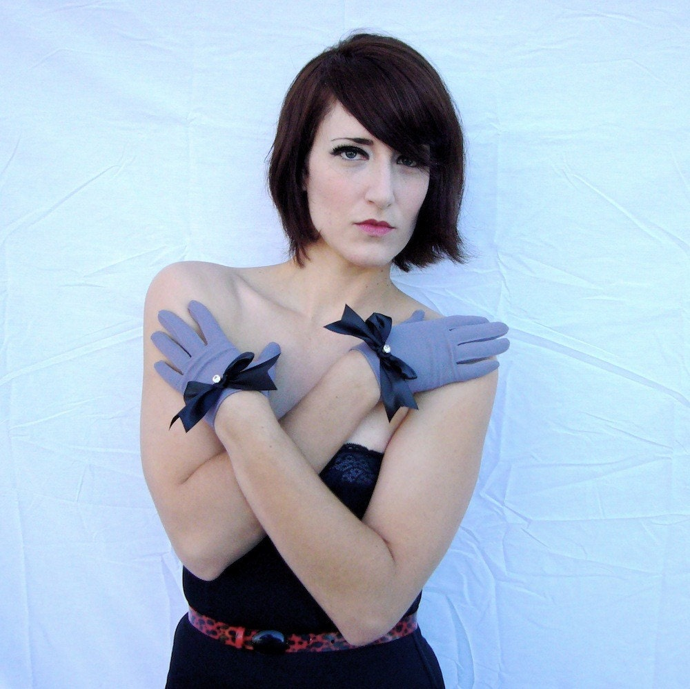 Smokey Noir  Black Bow Gloves