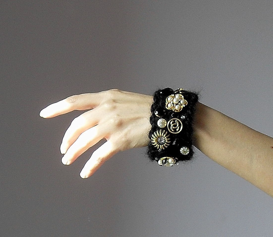 Crochet Spot » Blog Archive » Crochet Pattern: Bracelet Favor