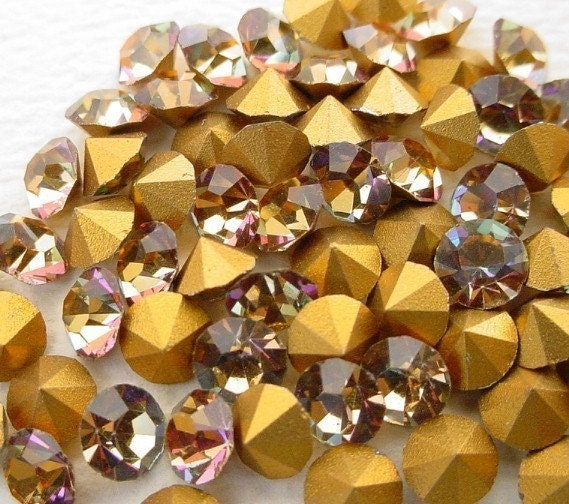 Lot of 72 Vintage 1950's Swarovski Vitrail Medium Gold Crystal Glass Rhinestones No. 19. - Destash - Katofmanycolors