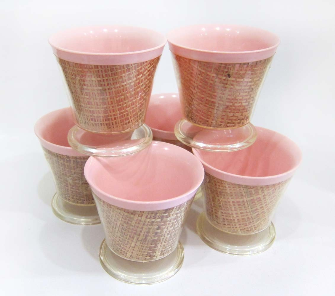 Vintage Kitschy Plastic Wicker Picnic Cup or Ice Cream Bowl Set in Pastel Pink - 6