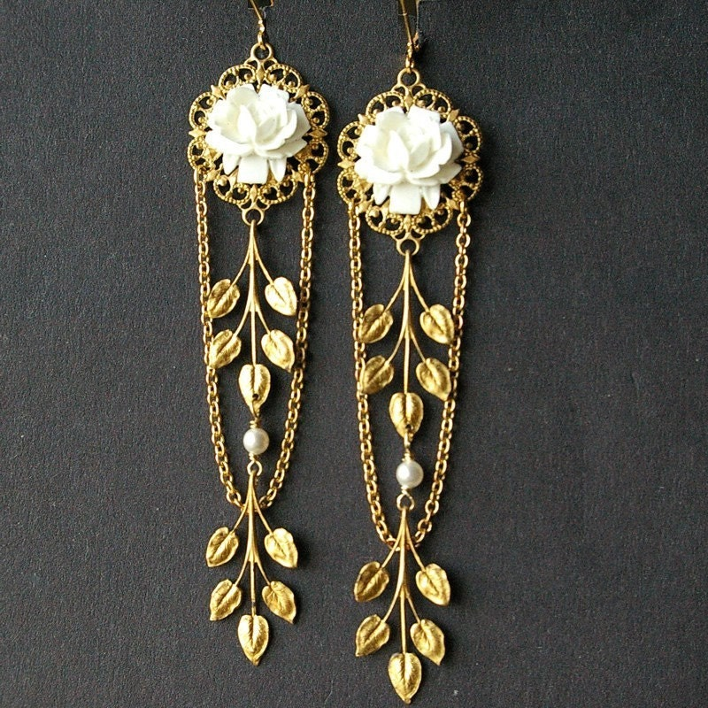 White Rose Trellis (earrings)