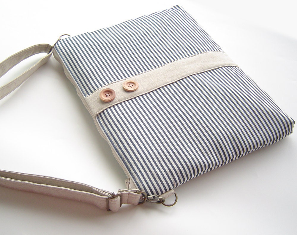 15 inch  MacBook or Laptop sleeve with attachable strap and zipper closure, Unique Design of BagyBag