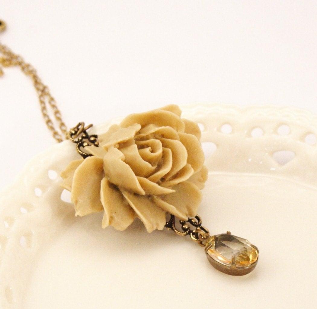 Collette Vintage Jewel Latte Rose Necklace