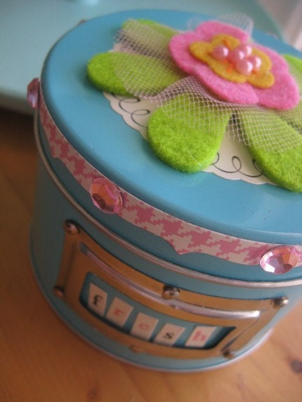 Super Pretty Deluxe Tin Jam Packed with Art Supplies