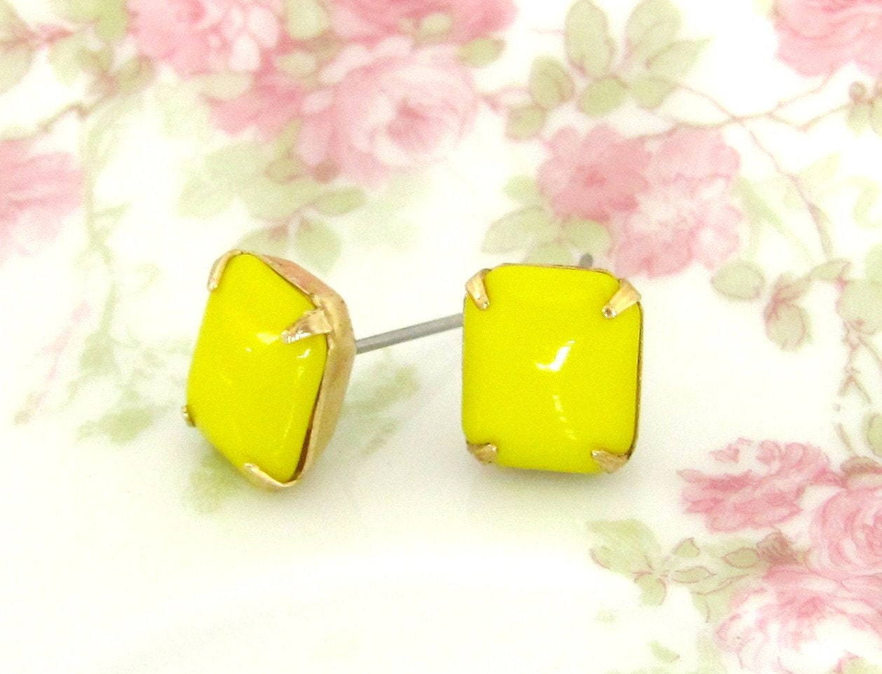 Vintage Bright Yelow Glass Jewel Post Earrings