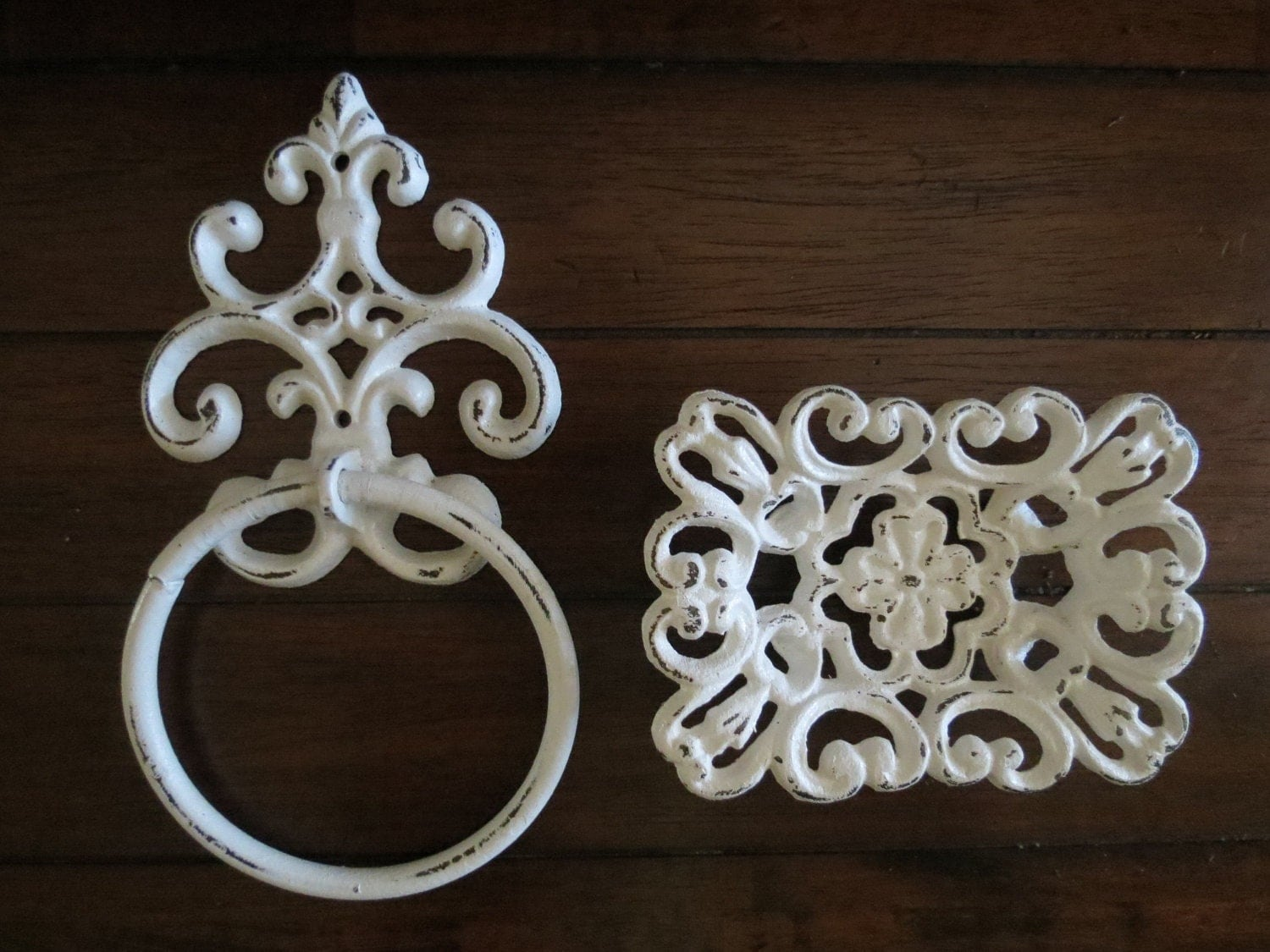 Antique white towel ring and soap dish set by for Shabby chic bathroom accessories uk