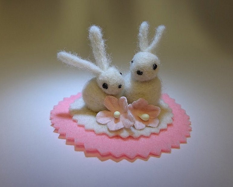 Cake Topper Snuggle Bunnies, Free Shipping within the USA