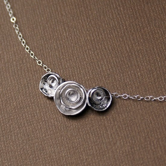 Rosette - Three buds in silver