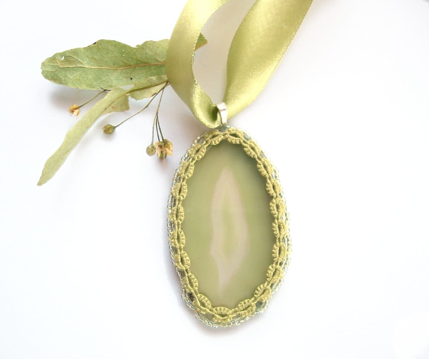 Agate slice pendant with tatted lace frame - Linden green agate stone unique pendant OOAK - LandOfLaces