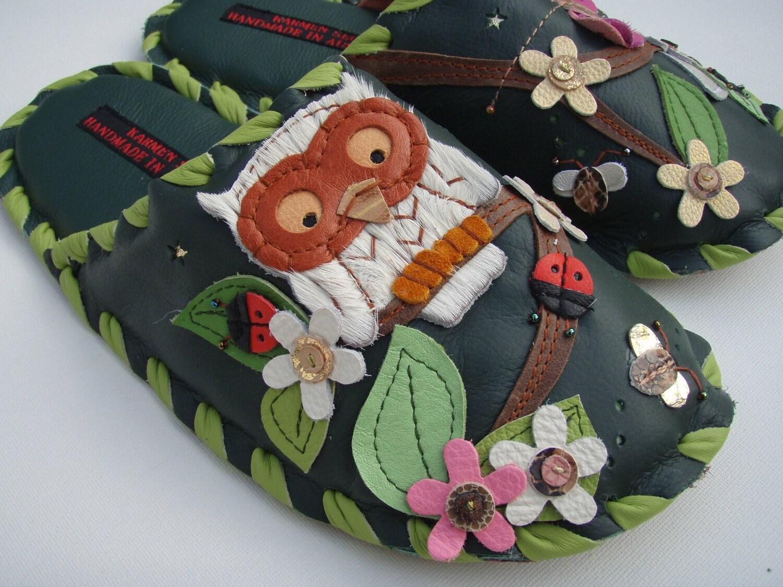 Handmade leather slippers by Karmen Sega - Green forest owl at night