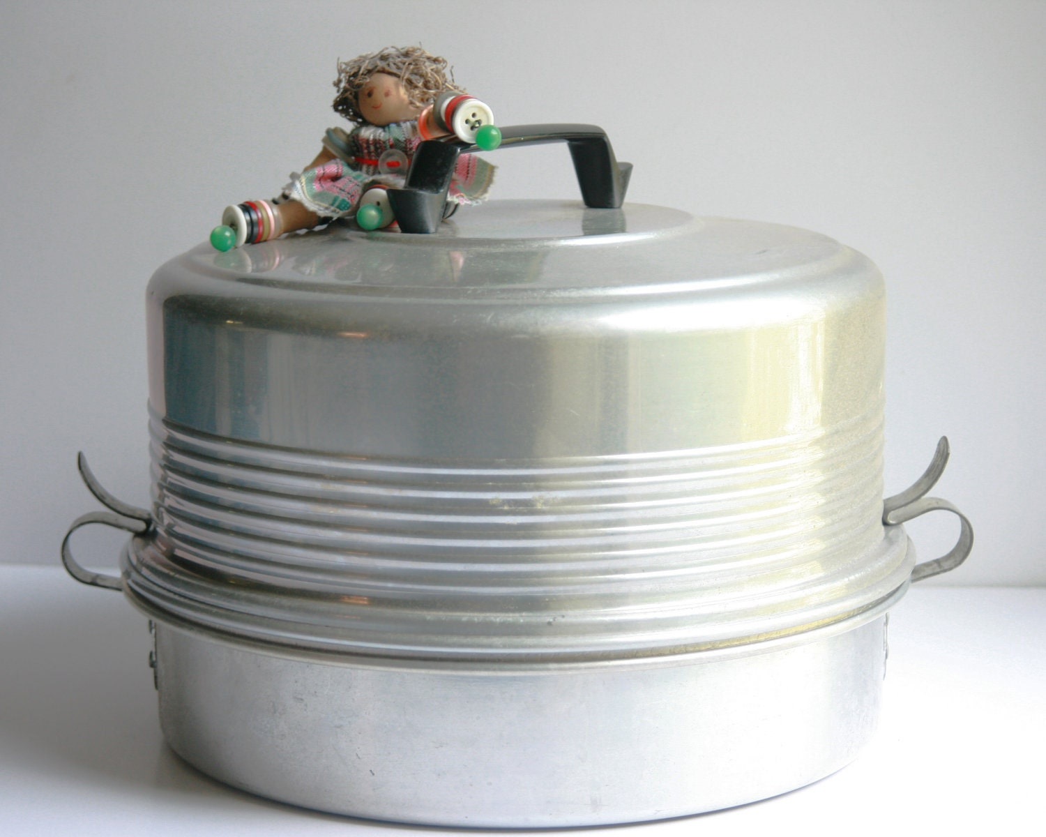 Items Similar To Regal Aluminum Cake Carrier Saver Pie