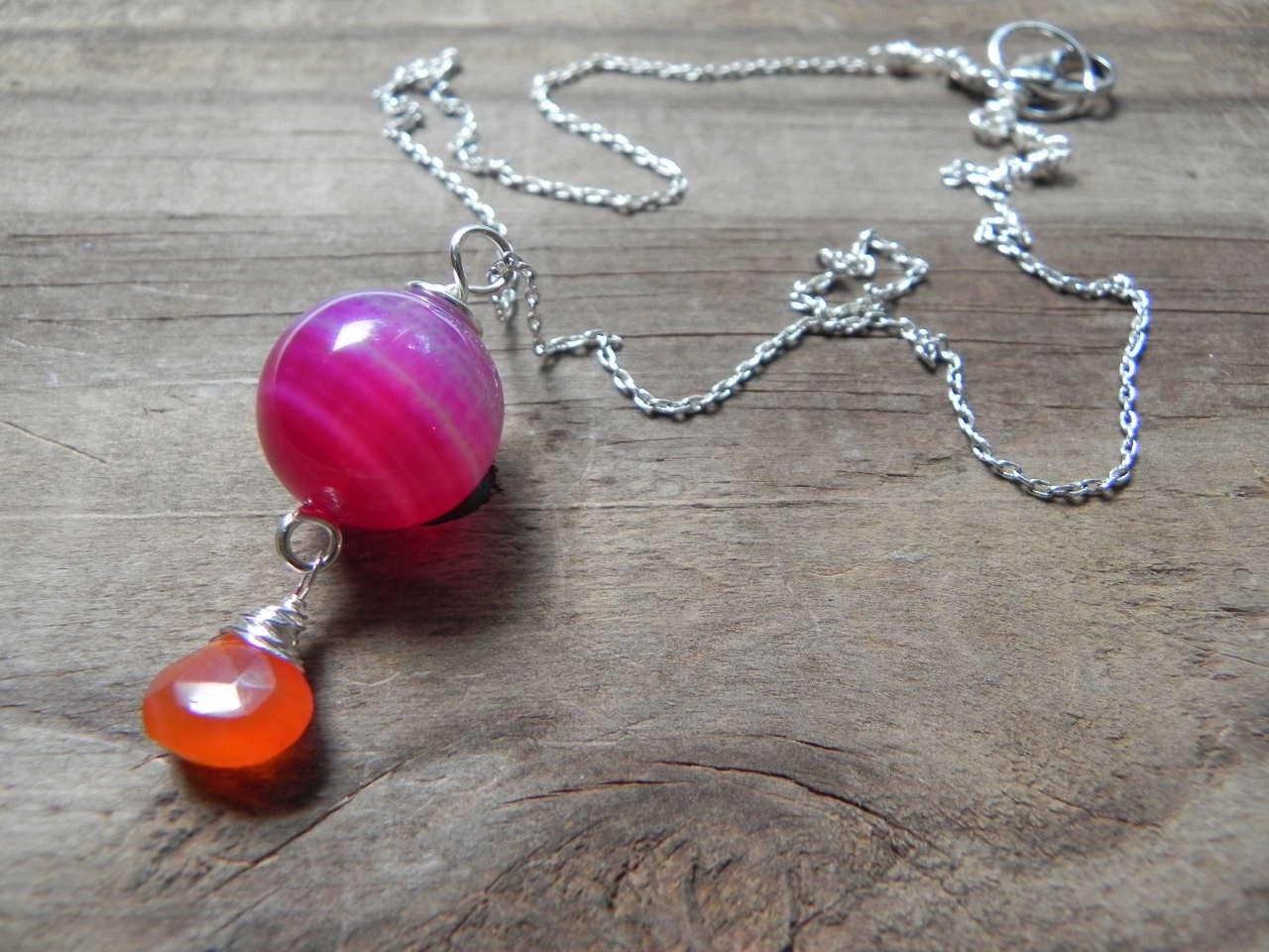 carnelian pendant necklace, pink agate beaded necklace, color blocked pendant necklace, juicy colorful necklace - AdrianaSoto