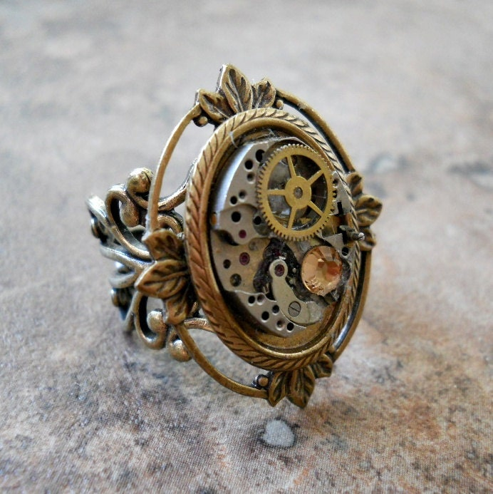 Victoriana Steampunk Ring in Brass EXCLUSIVE DESIGN - EnchantedLockets