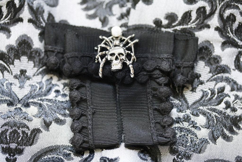 Metallic Spider Skull Ribbon Pin
