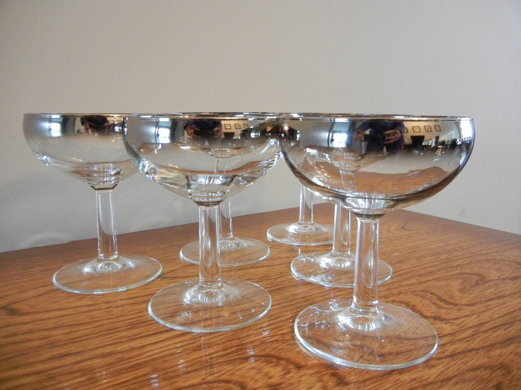 Dorothy Thorpe Glasses Silver Chrome Ombre Fade Champagne Glasses  Mad Men Bar Excellent Condition - EarthsTrove