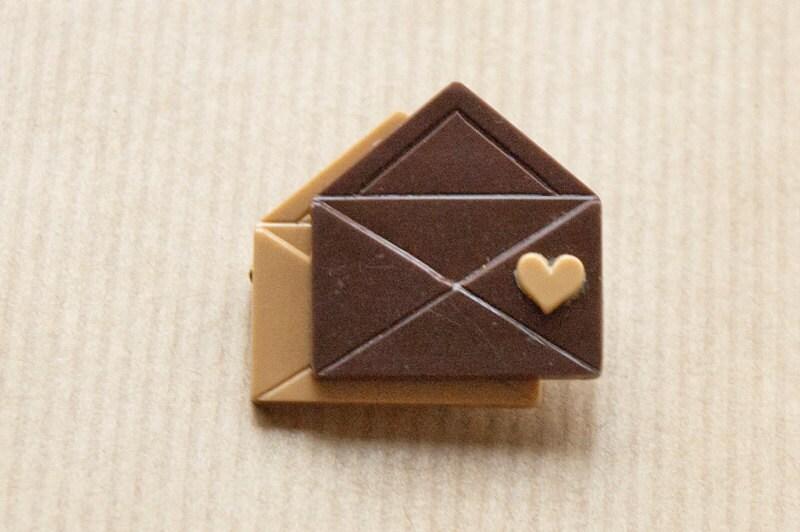 Liefdesbrief Broche Valentijnsdag speld Bruin