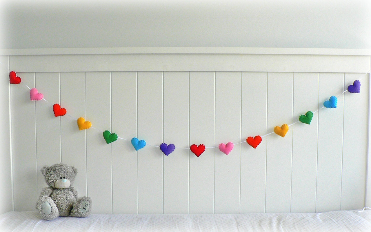 Rainbow felt heart garland - nursery decor - you choose your colours - LullabyMobiles