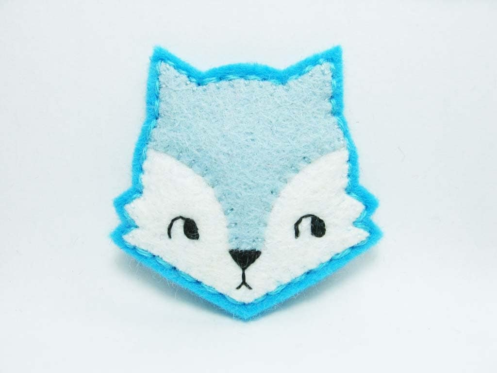 Light blue curious fox felt brooch - tiny size