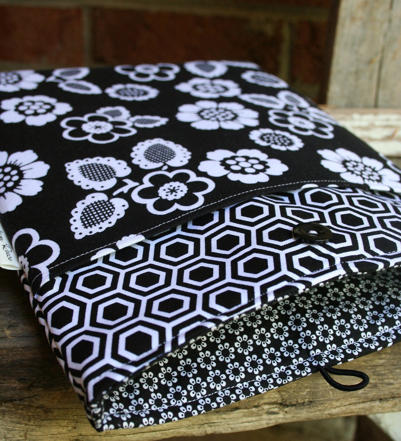 Ipad or Ipad 2 Case or Cover in Black and White Floral with front pocket - Completely padded, custom orders or colors available.
