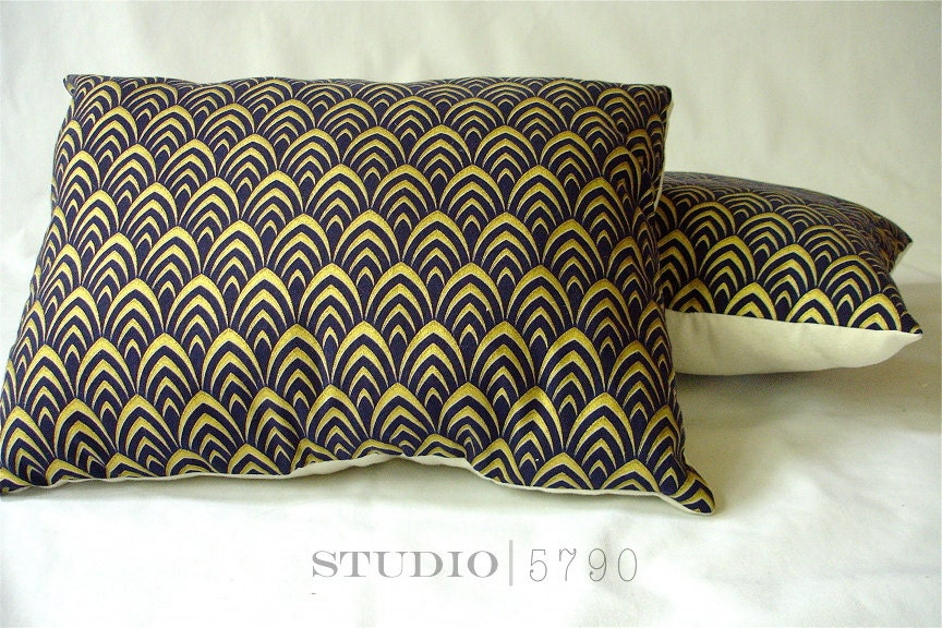 Throw Pillow Navy and Gold. Throw Pillow 12x16 by Studio5790