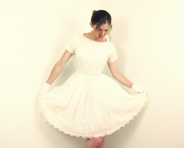 Items similar to 1950s wedding dress 50s tea length full for 1950s tea length wedding dress