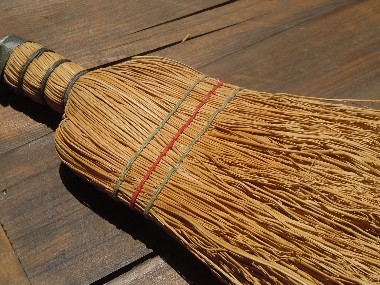 Vintage Wisk Hand Broom / Primitive Farmhouse Decor