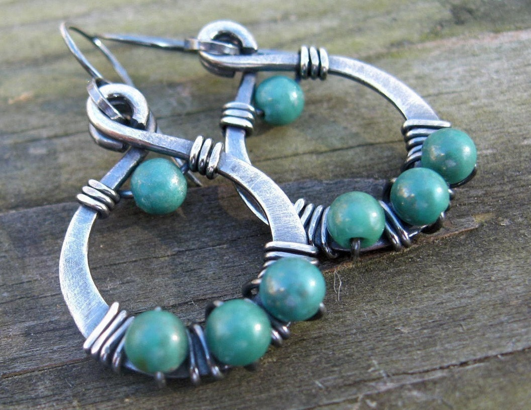 Green Turquoise Lovely Loops