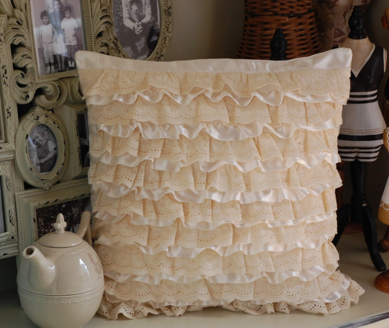 Ruffle pillow cover