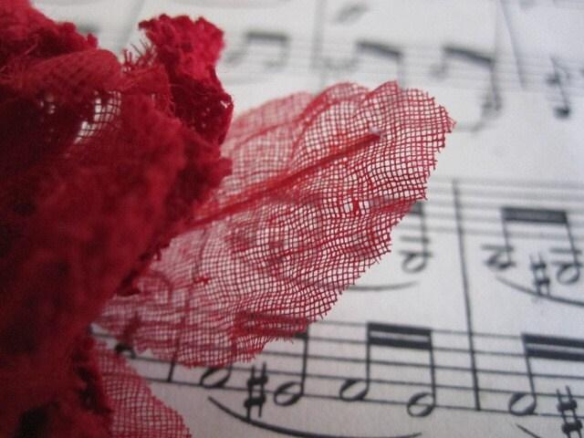 1 Большой - Постельное белье и марлевые Цветочный Ruby Red - Шелк, Дамских, Измененные Couture, волос Цветы, Pin