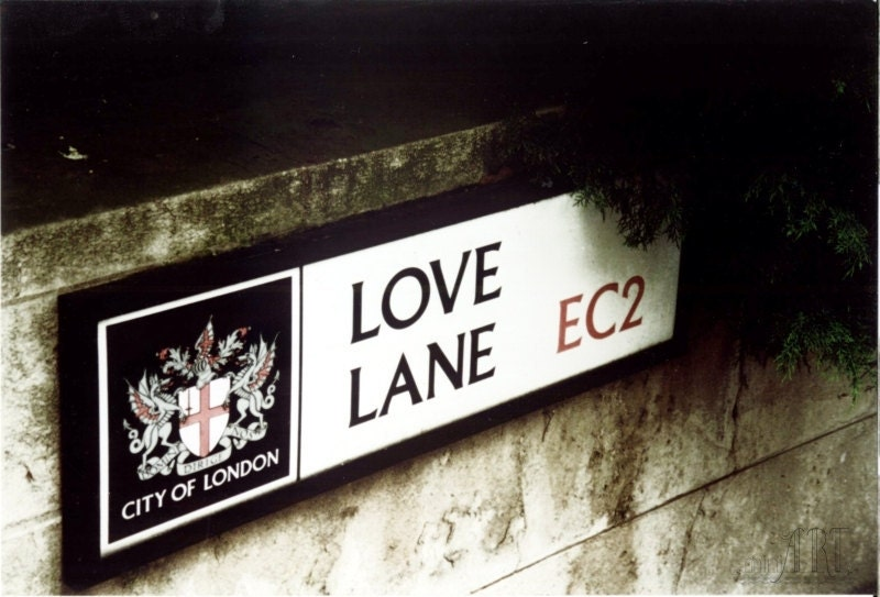 valentine decor, love lane in London, England, Europe, romantic photograph, 5x7 (13x18) - AnnaKiperPhoto