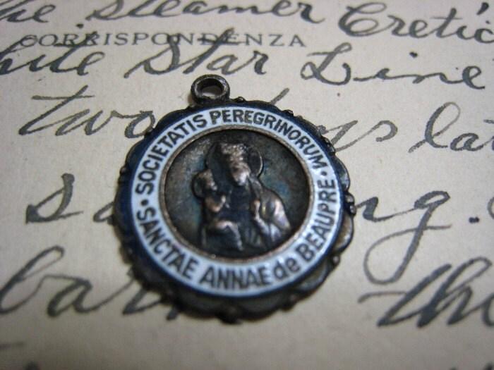 Vintage Religious Medal St Ann De Beaupre Crusade Society Societatis Peregrinorum