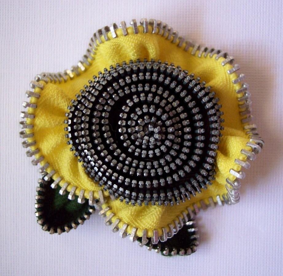 Yellow and black flower zip brooch, via Etsy: ZipPinning