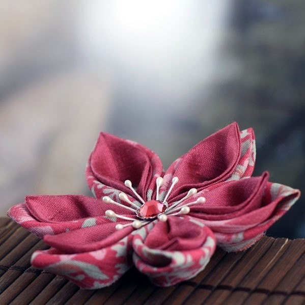 In the Rose Garden - Tsumami Style Silk Brooch