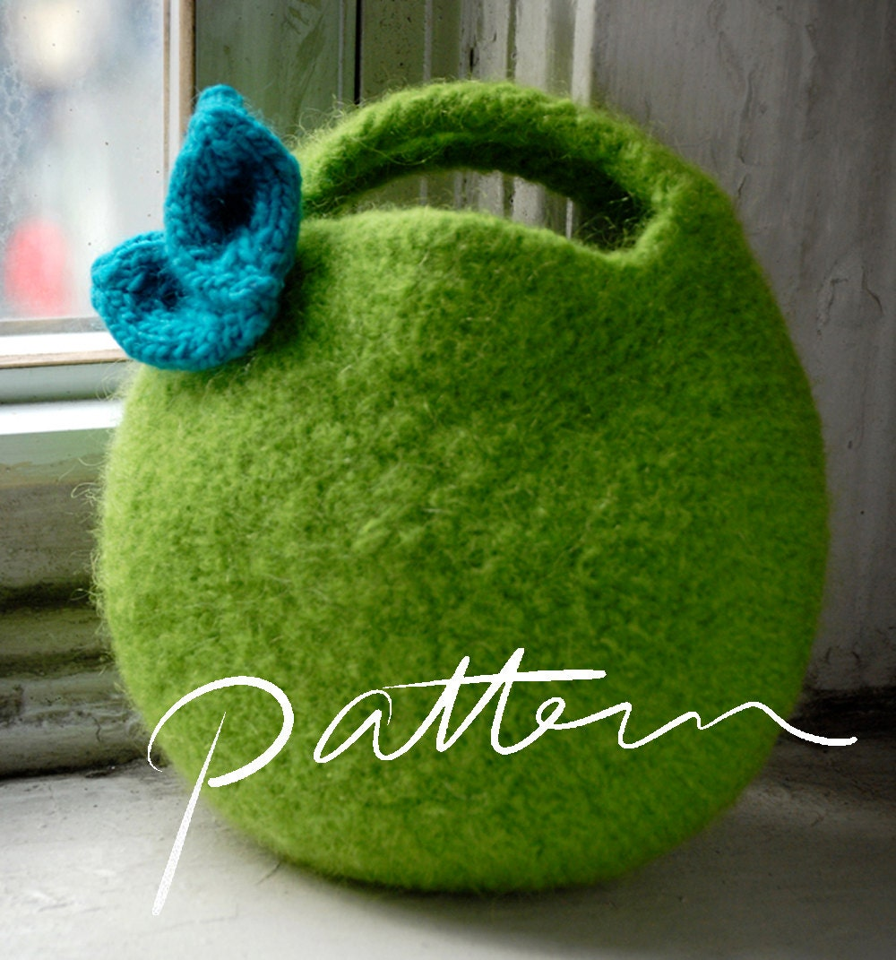 Free Crochet Purse Patterns Felted : PATTERN Felted Berry Bag and Knitted Leaf Small by KnitKnit