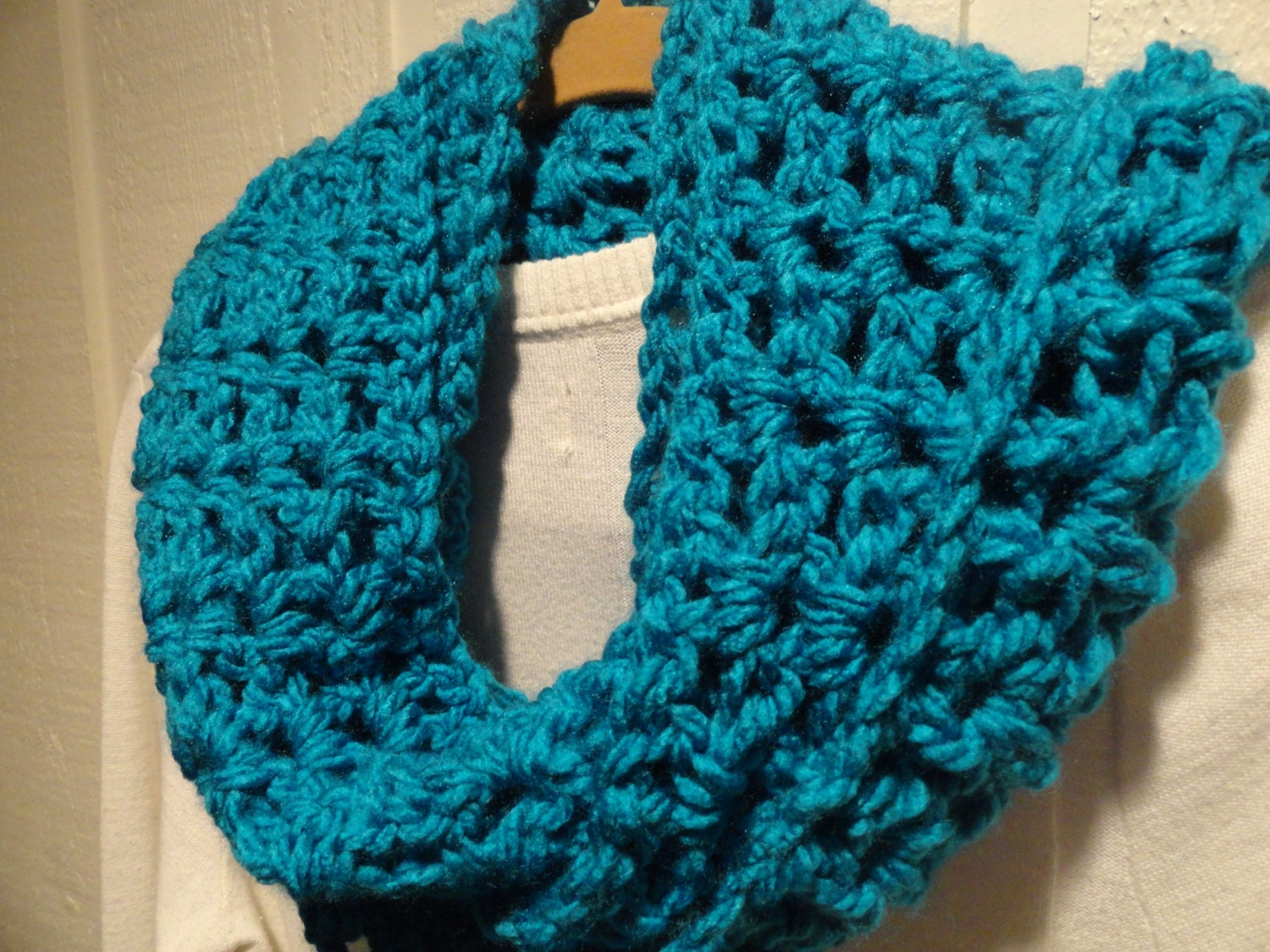 Items similar to Crochet V STITCH Infinity Scarf Cowl Turquoise Blue ...