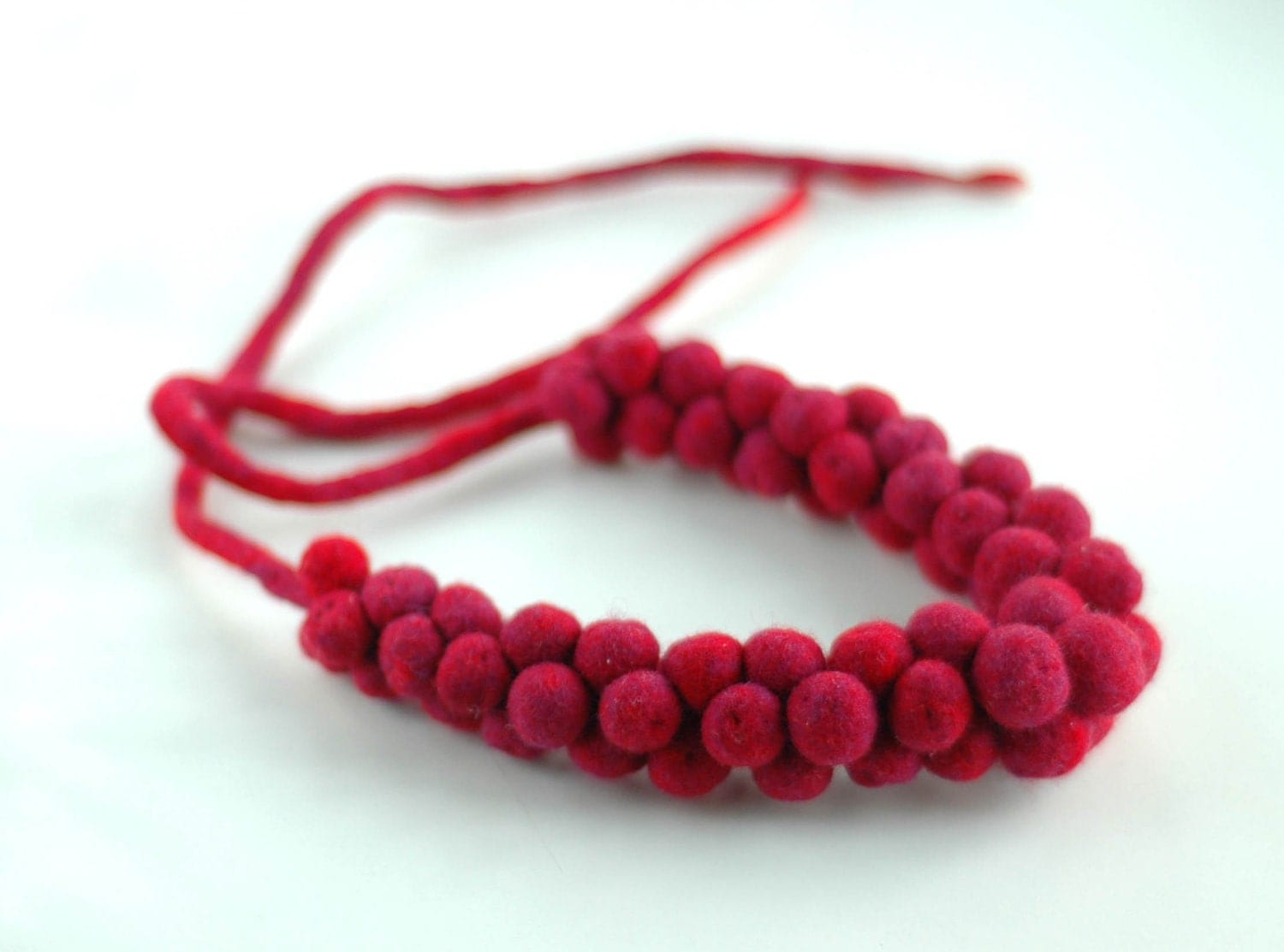 Bold statement necklace, felt necklace in hot pink - Feltik
