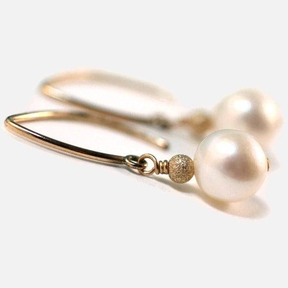 Classic Pearl Dangles