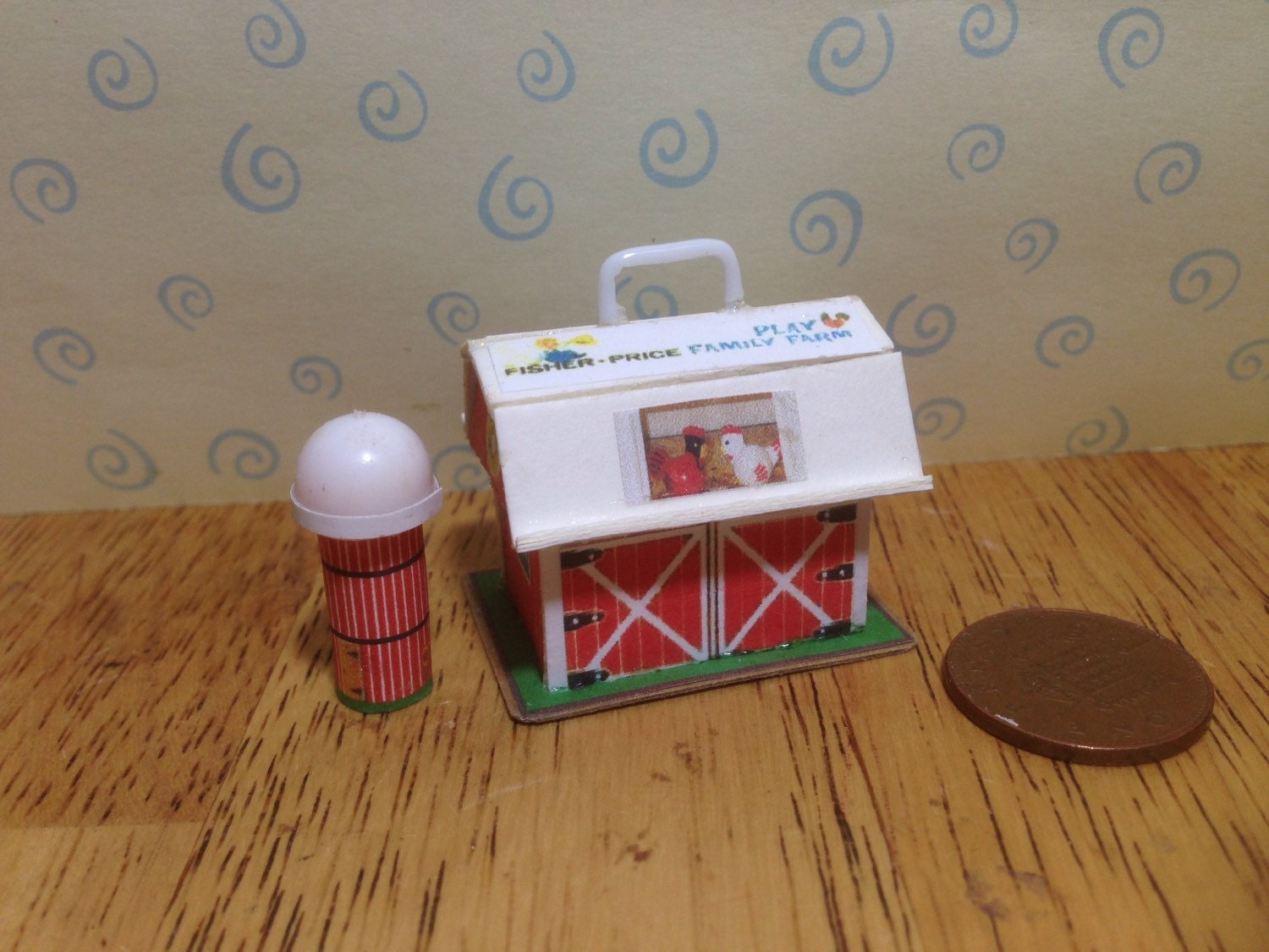 Hand made Dolls house Miniature replica vintage fisher price play family farmbarn and silo NEW  112 scale